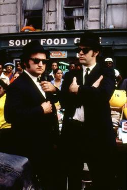 THE BLUES BROTHERS, 1980 directed by JOHN LANDIS John Belushi and Dan Aykroyd (photo)
