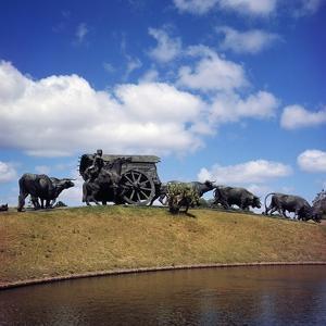 The Carreta, 1934, Bronze Monument by Jose Belloni (1882-1965), Parque Batlle, Montevideo, Uruguay