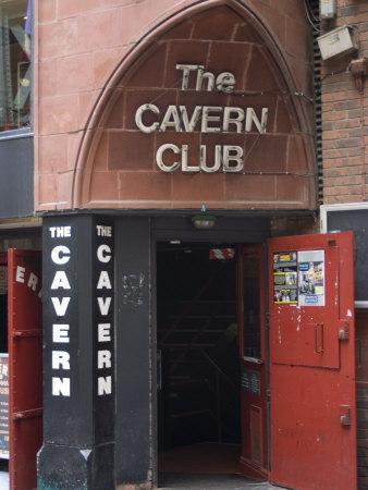 https://imgc.allpostersimages.com/img/posters/the-cavern-club-matthew-street-liverpool-merseyside-england-united-kingdom-europe_u-L-P91GZZ0.jpg?p=0