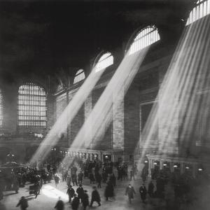 Grand Central Station, Evening by The Chelsea Collection