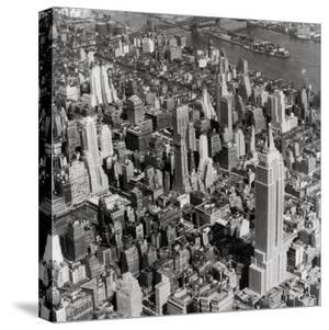 New York Skyline, Summer by The Chelsea Collection