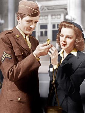 THE CLOCK, from left: Robert Walker, Judy Garland, 1945