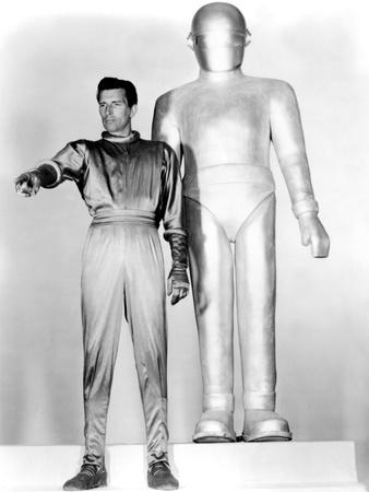 https://imgc.allpostersimages.com/img/posters/the-day-the-earth-stood-still-michael-rennie-1951_u-L-PH2UAQ0.jpg?artPerspective=n
