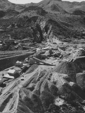 The Ethel Asbestos Mine on the Great Dike of Northern Rhodesia