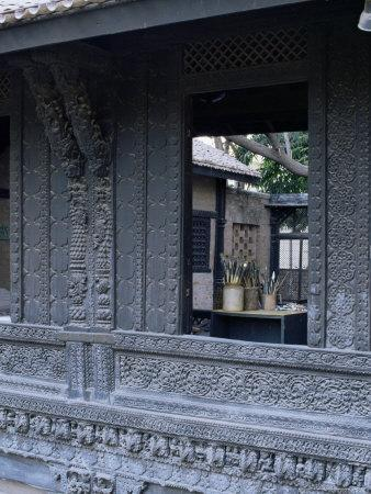 https://imgc.allpostersimages.com/img/posters/the-exquisitely-carved-300-year-old-wood-facade-of-a-pol-house-ahmedabad-gujarat-state-india_u-L-P1UKLA0.jpg?p=0