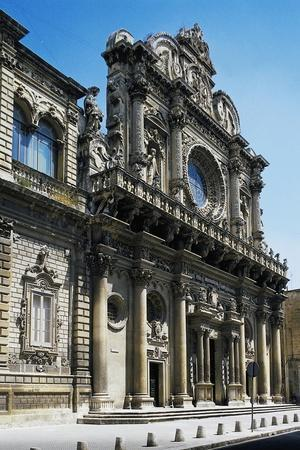 https://imgc.allpostersimages.com/img/posters/the-facade-of-the-basilica-of-the-holy-cross_u-L-PP9Y2X0.jpg?p=0