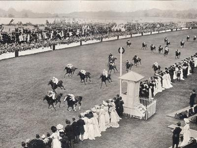 https://imgc.allpostersimages.com/img/posters/the-finish-for-the-royal-hunt-cup-c1903_u-L-Q1EFBHP0.jpg?artPerspective=n