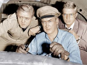 THE FLIGHT OF THE PHOENIX, from left: Richard Attenborough, James Stewart, Hardy Kruger, 1965.