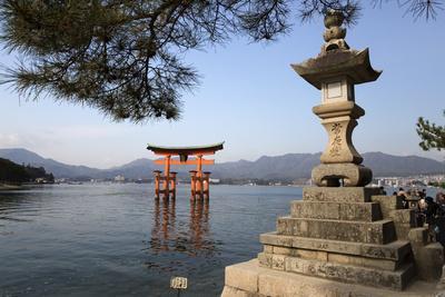 https://imgc.allpostersimages.com/img/posters/the-floating-miyajima-torii-gate-of-itsukushima-shrine-miyajima-island-western-honshu-japan_u-L-PWFFL70.jpg?p=0