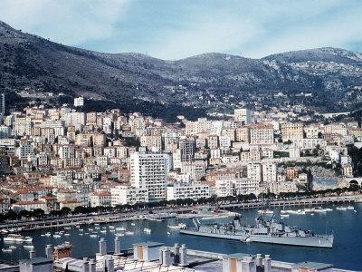 https://imgc.allpostersimages.com/img/posters/the-french-riviera-in-the-principle-of-monaco_u-L-P5F82I0.jpg?artPerspective=n