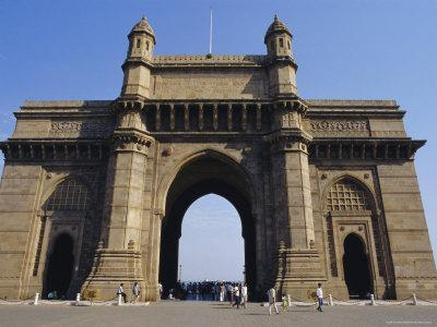 https://imgc.allpostersimages.com/img/posters/the-gateway-to-india-maharashtra-state-india_u-L-P2KD8U0.jpg?artPerspective=n