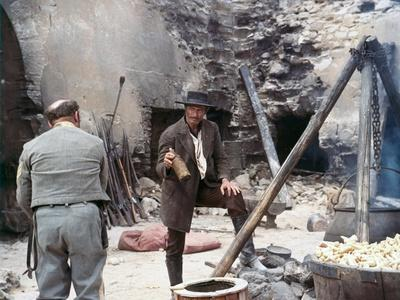https://imgc.allpostersimages.com/img/posters/the-good-the-bad-and-the-ugly-1966-directed-by-sergio-leone-lee-van-cleef-photo_u-L-Q1C3PKA0.jpg?artPerspective=n