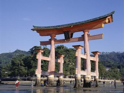 https://imgc.allpostersimages.com/img/posters/the-great-torii-from-the-corridor-of-itsukushima-shrine-akino-miya-jima-japan_u-L-P1TC490.jpg?p=0