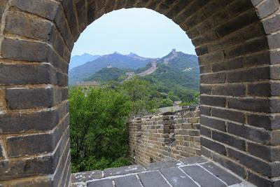 https://imgc.allpostersimages.com/img/posters/the-great-wall-qianjiadian-scenic-area-east-part-of-yanqing-geopark-near-beijing-china_u-L-Q12TAR90.jpg?p=0