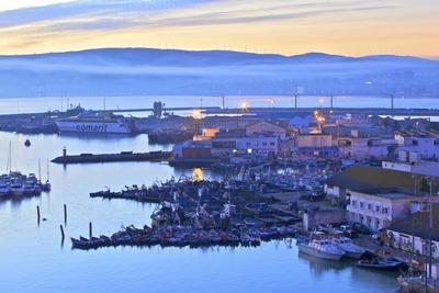 https://imgc.allpostersimages.com/img/posters/the-harbour-at-dawn-tangier-morocco-north-africa-africa_u-L-PWFKPV0.jpg?p=0