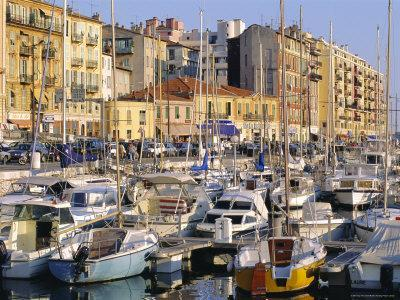 https://imgc.allpostersimages.com/img/posters/the-harbour-nice-cote-d-azur-alpes-maritimes-provence-france_u-L-P1TUAY0.jpg?artPerspective=n