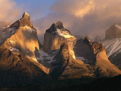 https://imgc.allpostersimages.com/img/posters/the-horns-at-sunrise-torres-del-paine-national-park-patagonia-chile_u-L-P42HTS0.jpg?p=0