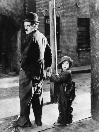 https://imgc.allpostersimages.com/img/posters/the-kid-1921_u-L-Q10TVM50.jpg?artPerspective=n