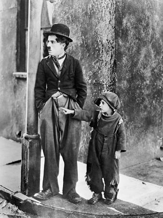https://imgc.allpostersimages.com/img/posters/the-kid-1921_u-L-Q10TVNP0.jpg?artPerspective=n