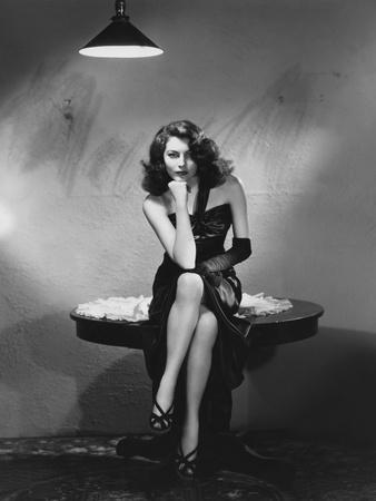 https://imgc.allpostersimages.com/img/posters/the-killers-1946-directed-by-robert-siodmak-ava-gardner_u-L-PJUEHV0.jpg?artPerspective=n