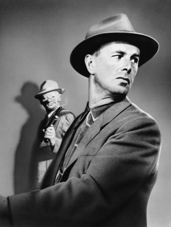 https://imgc.allpostersimages.com/img/posters/the-killing-1956-directed-by-stanley-kubrick-sterling-hayden-b-w-photo_u-L-Q1C1R4J0.jpg?artPerspective=n