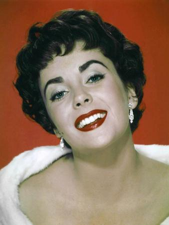 https://imgc.allpostersimages.com/img/posters/the-last-time-i-saw-paris-1954-directed-by-richard-brooks-elizabeth-taylor-photo_u-L-Q1C1Z9O0.jpg?artPerspective=n