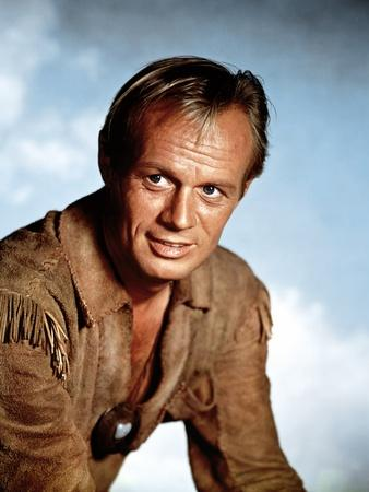 https://imgc.allpostersimages.com/img/posters/the-last-wagon-1956-directed-by-delmer-daves-richard-widmark-photo_u-L-Q1C1SM70.jpg?artPerspective=n