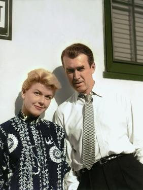 THE MAN WHO KNEW TOO MUCH, 1956 directed by ALFRED HITCHCOCK Doris Day / James Stewart (photo)