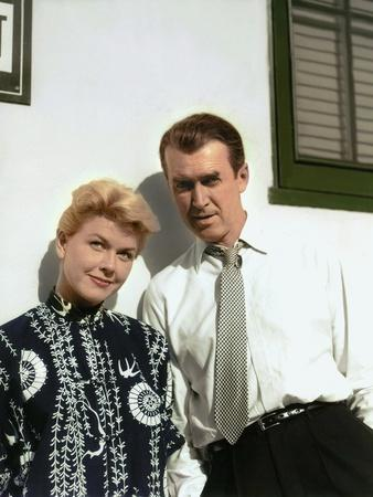 https://imgc.allpostersimages.com/img/posters/the-man-who-knew-too-much-1956-directed-by-alfred-hitchcock-doris-day-james-stewart-photo_u-L-Q1C1XR80.jpg?artPerspective=n