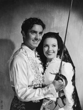 THE MARK OF ZORRO, 1940 directed by ROUBEN MAMOULIAN Tyrone Power and Linda Darnell (b/w photo)