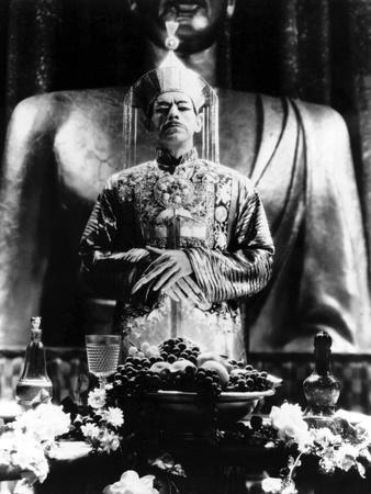 https://imgc.allpostersimages.com/img/posters/the-mask-of-fu-manchu-by-charlesbrabin-with-boris-karloff-1932-b-w-photo_u-L-Q1C2C880.jpg?artPerspective=n