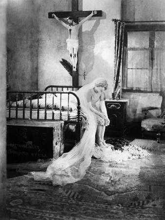 https://imgc.allpostersimages.com/img/posters/the-merry-widow-1925_u-L-Q10TX9T0.jpg?artPerspective=n