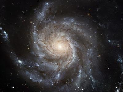 The Messier 101, or Pinwheel, Galaxy Spins in Pixel Perfection