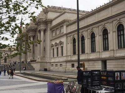 https://imgc.allpostersimages.com/img/posters/the-metropolitan-museum-of-art-manhattan-new-york-city-new-york-usa_u-L-P1K9KH0.jpg?p=0