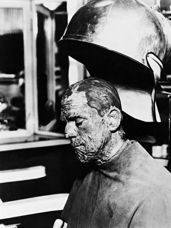https://imgc.allpostersimages.com/img/posters/the-mummy-1932_u-L-Q10TXBG0.jpg?artPerspective=n