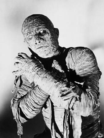 https://imgc.allpostersimages.com/img/posters/the-mummy-s-curse-1944_u-L-Q10TU3F0.jpg?artPerspective=n