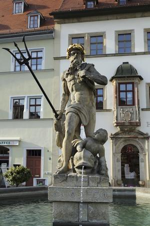 https://imgc.allpostersimages.com/img/posters/the-neptune-fountain-on-the-cobbled-market-place-marktplatz-in-weimar-thuringia-germany-europe_u-L-PWFD5U0.jpg?artPerspective=n