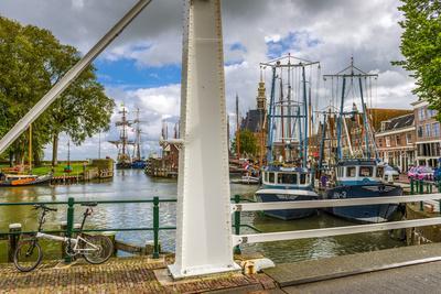 https://imgc.allpostersimages.com/img/posters/the-netherlands-hoorn-harbour-tower-hoofdtoren_u-L-Q11YQ210.jpg?p=0
