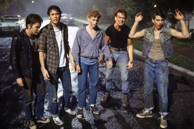 THE OUTSIDERS, 1982 directed by FRANCIS FORD COPPOLA Emilio Estevez, Rob Lowe, Thomas C. Howell, Pa