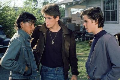 https://imgc.allpostersimages.com/img/posters/the-outsiders-1982-directed-by-francis-ford-coppola-ralph-macchio-matt-dillon-andthomas-c-howell_u-L-Q1C1NPU0.jpg?artPerspective=n