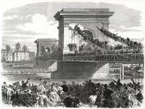 The Oxford and Cambridge Boat Race, Scene at Hammersmith Bridge