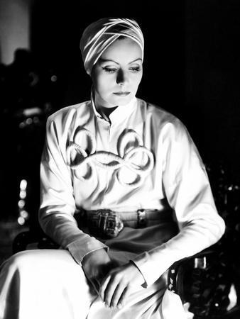 https://imgc.allpostersimages.com/img/posters/the-painted-veil-greta-garbo-1934_u-L-Q12OLJQ0.jpg?artPerspective=n