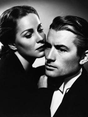 THE PARADINE CASE, 1948 directed by ALFRED HITCHCOCK Alida Valli and Gregory Peck (b/w photo)