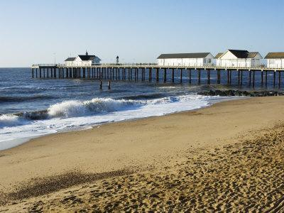 https://imgc.allpostersimages.com/img/posters/the-pier-southwold-suffolk-england-united-kingdom_u-L-P1K8R80.jpg?p=0