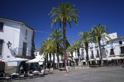 https://imgc.allpostersimages.com/img/posters/the-plaza-mayor-zafra-andalucia-spain_u-L-PWFD0I0.jpg?p=0