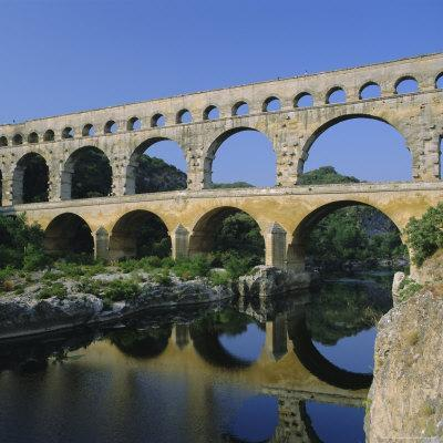 https://imgc.allpostersimages.com/img/posters/the-pont-du-gard-roman-aqueduct-gard-near-nimes-languedoc-france-europe_u-L-P2QTUP0.jpg?p=0