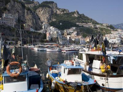 https://imgc.allpostersimages.com/img/posters/the-port-of-amalfi-costiera-amalfitana-unesco-world-heritage-site-campania-italy-europe_u-L-P91FV30.jpg?p=0