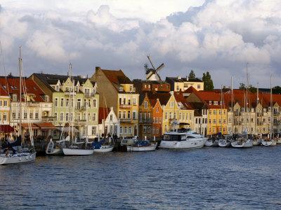https://imgc.allpostersimages.com/img/posters/the-port-of-sonderborg-jutland-denmark-scandinavia-europe_u-L-P91FNZ0.jpg?p=0