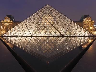https://imgc.allpostersimages.com/img/posters/the-pyramide-du-louvre-paris-france_u-L-PXQNW70.jpg?p=0