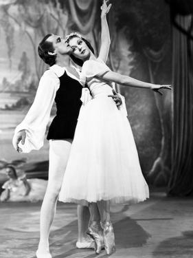 The Red Shoes, from Left: Robert Helpmann, Moira Shearer, 1948